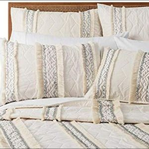 Opalhouse Moroccan Wedding Quilt